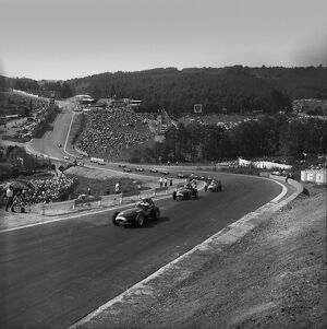 1958 Belgian Grand Prix: Tony Brooks 1st position, leads at the start of the race, action