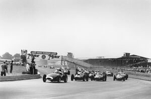 1958 British Grand Prix: Stirling Moss, retired, action