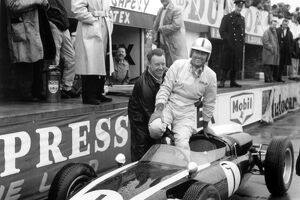 1960 British Grand Prix: Jack Brabham, Cooper T53-Climax, 1st position, in the pits