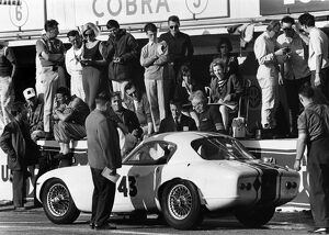 1964 Le Mans 24 Hours: Clive Hunt/John Wagstaff, 22nd position, pit stop action