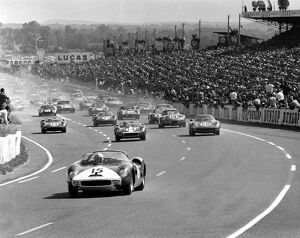 1964 Le Mans 24 hours: Pedro Rodriguez/Skip Hudson leads at the start