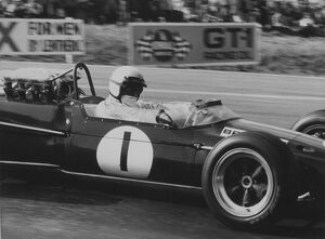 1967 United States Grand Prix: Jack Brabham, Brabham BT24-Repco, 5th position, action
