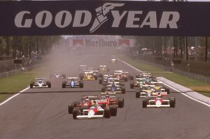 1989 Mexican Grand Prix: Ayrton Senna leads Nigel Mansell and Gerhard Berger with