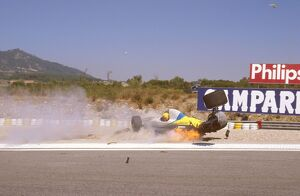 1989 Portuguese Grand Prix: Roberto Moreno crashes into Eddie Cheever during qualifying