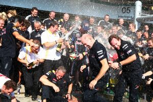 2010 grand prix races/rd18 brazilian grand prix best images/formula world championship red bull racing celebrate