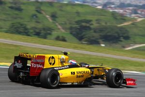 2010 grand prix races/rd18 brazilian grand prix best images/formula world championship vitaly petrov renault